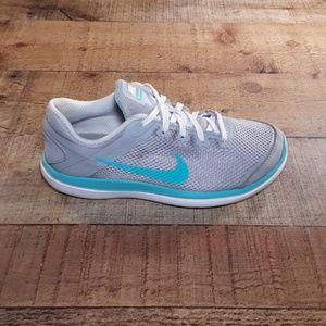 Nike Flex 2016 Running Sneakers Size 3Y.